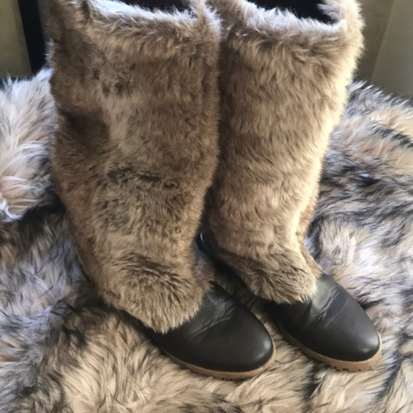 Boots with the fur!